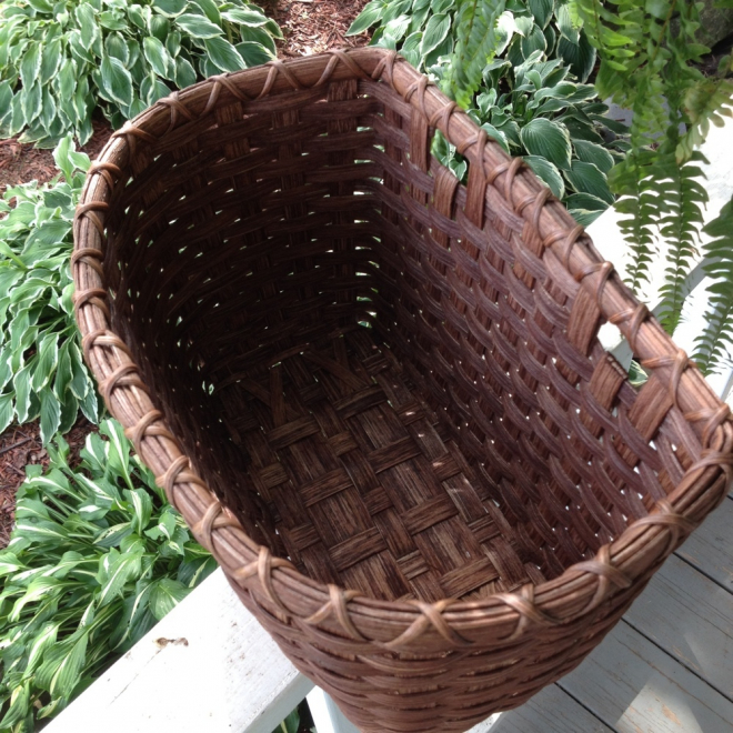 Peg Mail Basket