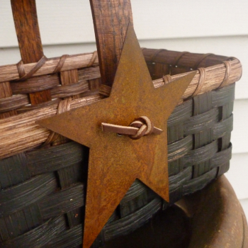 Rusty Star Basket
