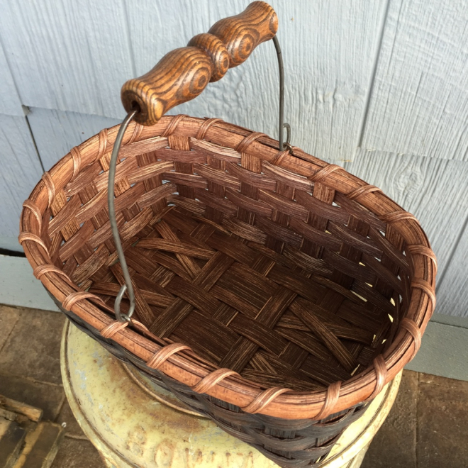 Swing Handled Gift Basket